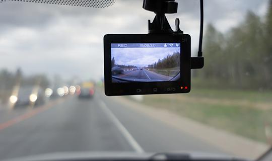 万一の事故に備えドライブレコーダーを全車に搭載。